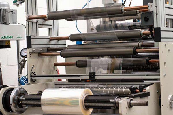 Realizzazione confezionamenti e packaging in materiale plastico personalizzabili | Implast Srl